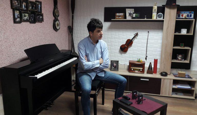 """Melodije razdora: """"Maestro"""" kaže da je nekome u interesu da """"Milion melodija za život"""" traje 100 godina zbog prikupljanja političkih poena"""