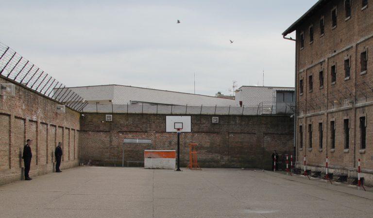 """Traže se 23 komandira za """"Zabelu"""" i ženski zatvor"""