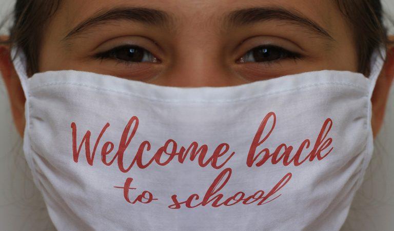 Nakon dogovora između direktora škole, Centra za socijalni rad i advokata, učenik stavio masku i krenuo u školu
